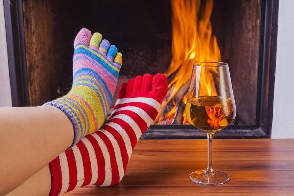 Socks protect wine glasses