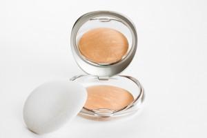 Put cotton in makeup powder